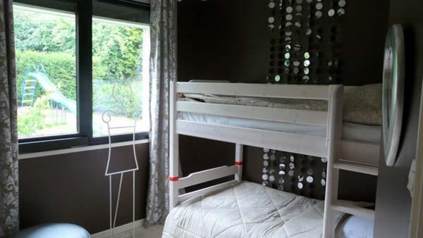 La chambre chocolat avec ses lits superposés